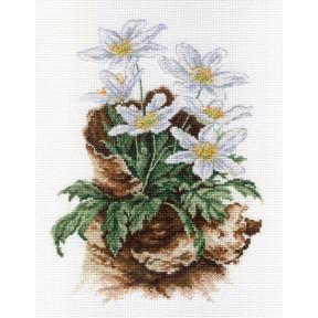 Набор для вышивки крестом МП Студия НВ-567 Первоцветы