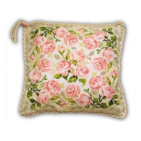 Набор для вышивки крестом Риолис 720 Подушка с розами фото