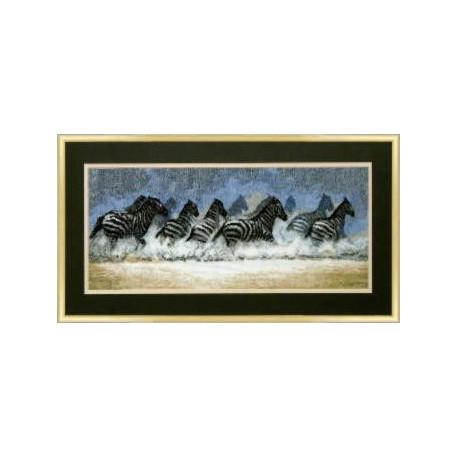 Набор для вышивки крестом Чарівна Мить 419ч Бегущие зебры фото
