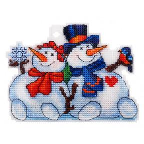 Набор для вышивки крестом Alisena Снеговички 8023а