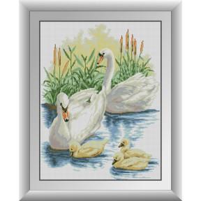 Набор для рисования камнями алмазная живопись Dream Art Семья лебедей (квадратные, полная) 30410D