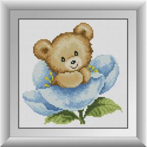 Набор для рисования камнями алмазная живопись Dream Art Мишка в синем цветке (квадратные, полная) 30763D