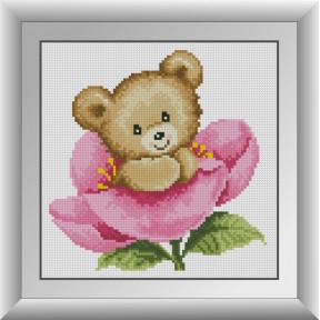 Набор для рисования камнями алмазная живопись Dream Art Мишка в розовом цветке (квадратные, полная) 30764D