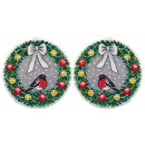 Новогодние игрушки. Веночек Набор для вышивки крестом Овен 1362о